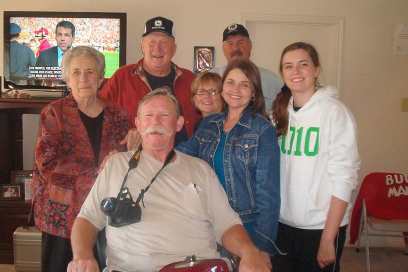 TX-09-MINI-08: Geraldene Allen, Joe Ed Allen, Alan Allen, Bonnie Allen, Doug and Charlotte Allen, and Carlie Allen.