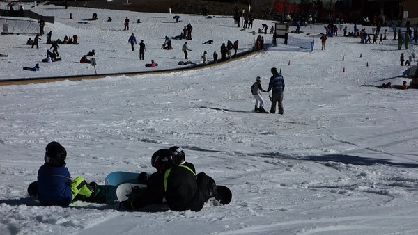 Vicky learning to snowboard. A little bit of digital zoom halfway through the clip.
