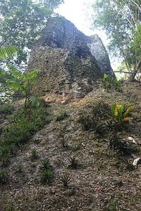 Tak wyglądały piramidy zanim zaczęto je odkopywac