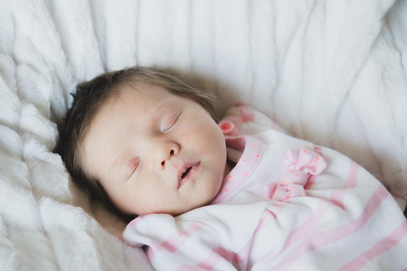 Gwen Newborn0001