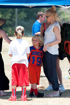 Gwen Stephani Rocks on Soccer Match