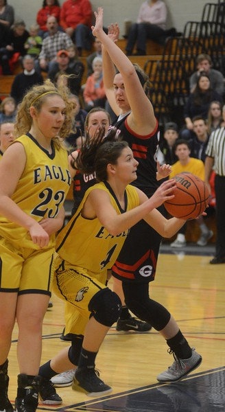 Gwendolyn Carpenter nets 1,000 career points - 011917