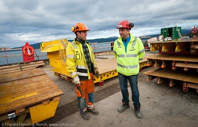 Hålogalandsbrua, bygging pr 22. august 2014. Til høyre HMS-ansvarlig, Torgeir Sørensen, NCC.