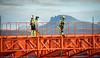 Hålogalandsbrua, bygging pr 22. august 2014. Orange konstruksjon er glideforskaling.