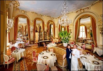 HOTEL RITZ.  La chef Sommelière Estelle Touzet et le chef des cuisines Nicolas Sale dans le restaurant gastronomique l Espadon.