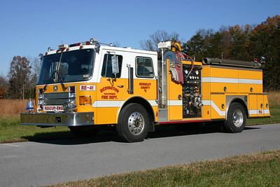 Former Rescue Engine 41 was this 1987 Ottawa/American Eagle, 1500/750, sn- C-7122.  Sold when the new Engine 42 was delivered.