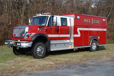 This large 2012 International 7400 4x4 MaxxForce/KME, 250/250, sn- GSO 8504 operates as Rescue 3.