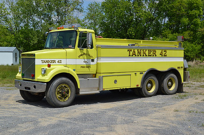 Tanker 42 is a unique 1989 White-Volvo/Marion, 205/3000.  ex - Troy Protection District, Shorewood, Illinois.