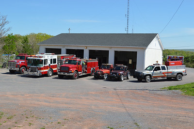 Apparatus line-up at Slanesville.