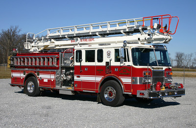 Officer side of former Engine 7-1.  Sold to the Fairfield VFD in Erie County, PA in late 2016.