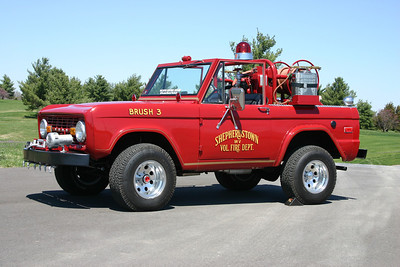 Former Brush 3 is this nice 1972 Ford Bronco with a 100 gallon water tank.  Now privately owned.  ex - Lake Jackson, Virginia (Prince William County) Brush 7 where it was painted white.