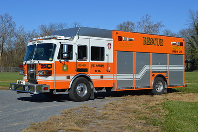 Squad d37-40 from Ft. Ashby, West Virginia (Mineral County) is this impressive 2001 Sutphen LDFR/SVI.  Equipped with a 400/300.  Sutphen s/n HS 3618 and SVI s/n 386.  Note that each compartment is numbered.