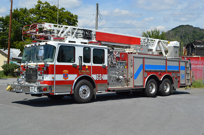 As a result of the fire station fire at Great Cacapon on July 5, 2016, the Sterling Volunteer Fire Company in Loudoun County, Virginia loaned Great Cacapon this 2000 Spartan/Smeal 75' 1500/500.  Smeal s/n 7211.  It was originally Quint 11 for Sterling, and then reassigned to Quint 624.  This truck saw service at the Pentagon during 9/11.