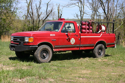 South Morgan, WV Brush 3-61, a 2001 Ford F250/FD with a 120/180.