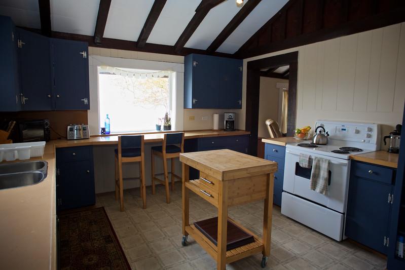 Halfmoon Haven kitchen 2