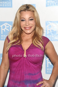 5-26-2012: Taylor Dayne attends the Miracle House 22nd. Annual Summer Kickoff at the Bridgehampton Tennis and Surf Club in Bridgehampton. Rob Rich/SocietyAllure.com