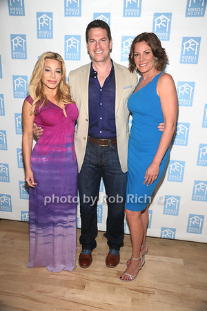 5-26-2012: Taylor Dayne, Thomas Roberts, and Countess Luann de Lesseps attends the Miracle House 22nd. Annual Summer Kickoff at the Bridgehampton Tennis and Surf Club in Bridgehampton.<br /> Rob Rich/SocietyAllure.com