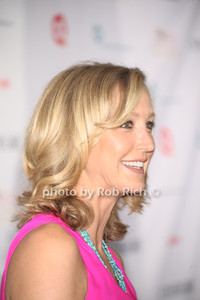 Lara Spencer photo by Rob Rich/SocietyAllure.com © 2012 robwayne1@aol.com 516-676-3939