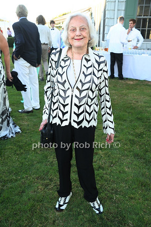 Muriel Siebert attends the 3rd Annual Unconditional Love benefit for the Southampton Animal Shelter Foundation at the private residence of Sandra McConnell in Southampton (July 21, 2012) Rob Rich/SocietyAllure.com