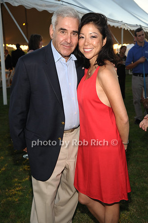 Andy Sabin and Amy Ma attend the 3rd Annual Unconditional Love benefit for the Southampton Animal Shelter Foundation at the private residence of Sandra McConnell in Southampton (July 21, 2012) Rob Rich/SocietyAllure.com
