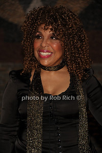 """6-2-2012: Roberta Flack attends the  """"9th.Annual Live @Clubstarlight"""" at the Ross School in Easthampton on June 2, 2012. Rob Rich/SocietyAllure.com"""