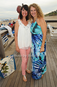 Kim Sloane, Barbra Kinnier enjoy the Beach Concert Series at Gurney's Inn in Montauk.(July 7, 2012) Rob Rich/SocietyAllure.com
