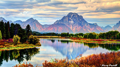sunrise at Oxbow Bend, the Grand Tetons in background, Wyoming