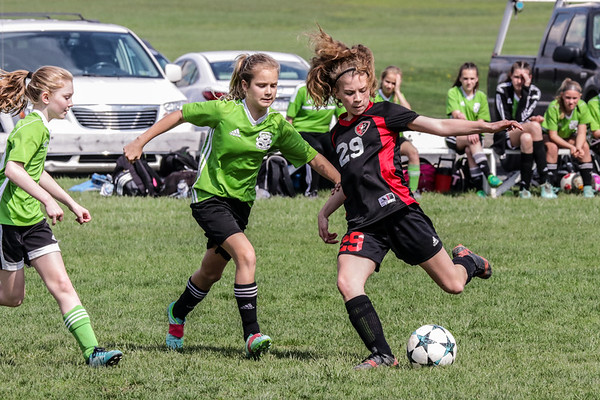 Twin Valley Soccer Club Lt Green V TNT Elit BlknRed