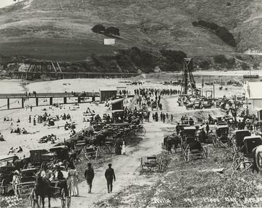 Crowds at Avila Beach on Fleet Day, 1908, #01.01.0259
