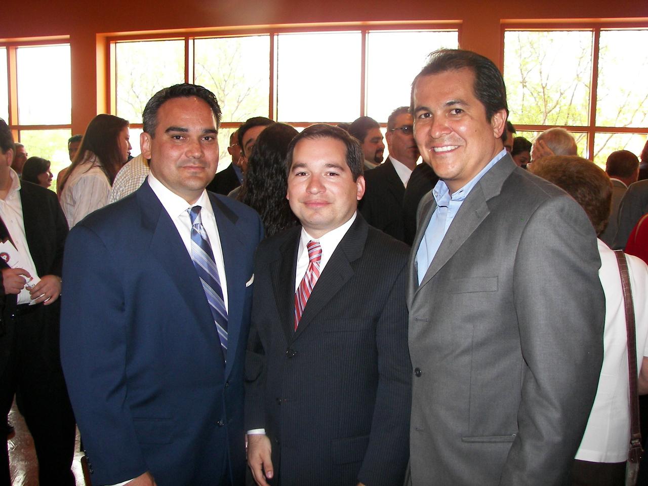 Reception Guests with HCADFW Corporate Partner Gabriel Almanza, Northwestern Mutual