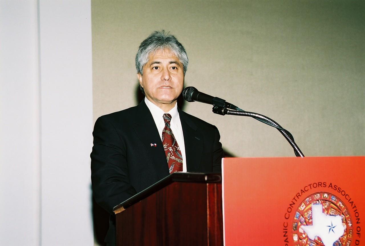 Sergio De Los Santos, SDS, Inc. and HCADFW Board Treasurer presents the 2006 HCADFW Financial Highlights