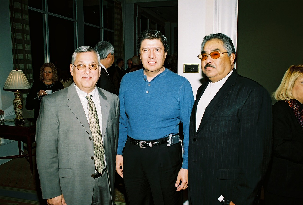 Henry Rosales, City of Dallas; Guests and Felix Galan, DFW Airport