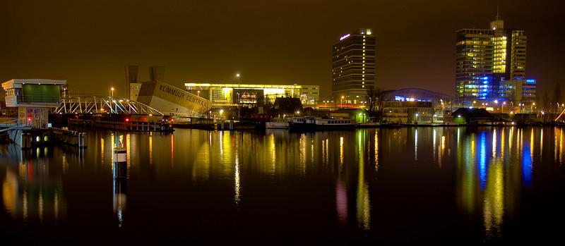 Klimmuur Centraal /  Muziekgebouw aan 't IJ / Mövenpick hotel / Passenger Terminal
