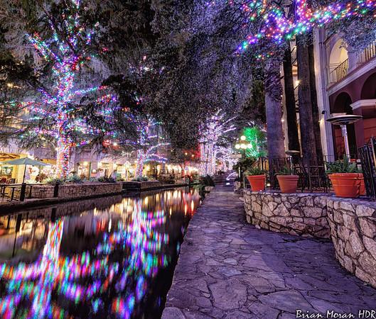 Christmas Riverwalk, looking west