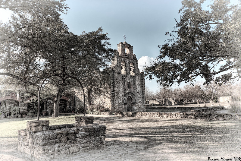 "An ""old style"" photo of Mission Espada located in San Antonio, Texas.<br /> <br /> For more on this photo, please visit my blog post:<br /> <br /> <br />  <a href=""http://brianmoranhdr.blogspot.com/2011/02/retro-mission-espada.html"">http://brianmoranhdr.blogspot.com/2011/02/retro-mission-espada.html</a>"
