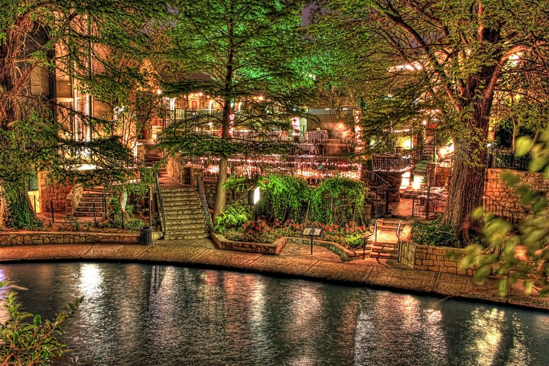 This photo is the outdoor Riverwalk seating area of the Little Rhein Steak House, located in San Antonio, Texas.