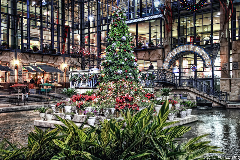 """Christmas tree located in the RiverCenter Courtyard outside of the RiverCenter Mall in San Antonio, Texas.<br /> <br /> Please check out my blog post on this photo: <a href=""""http://brianmoranhdr.blogspot.com/2010/12/rivercenter-christmas-tree.html"""">http://brianmoranhdr.blogspot.com/2010/12/rivercenter-christmas-tree.html</a>"""