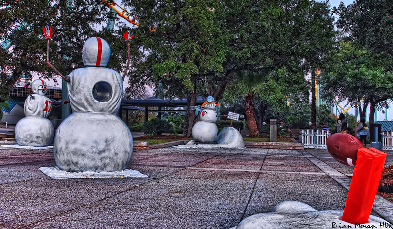 """Snowmen playing football at Sea World San Antonio in San Antonio, Texas.  This display is part of Sea World's Christmas Celebration.<br /> <br /> For more information about this photo, please visit my blog post: <a href=""""http://brianmoranhdr.blogspot.com/2010/11/sea-world-san-antonio-christmas.html"""">http://brianmoranhdr.blogspot.com/2010/11/sea-world-san-antonio-christmas.html</a>"""