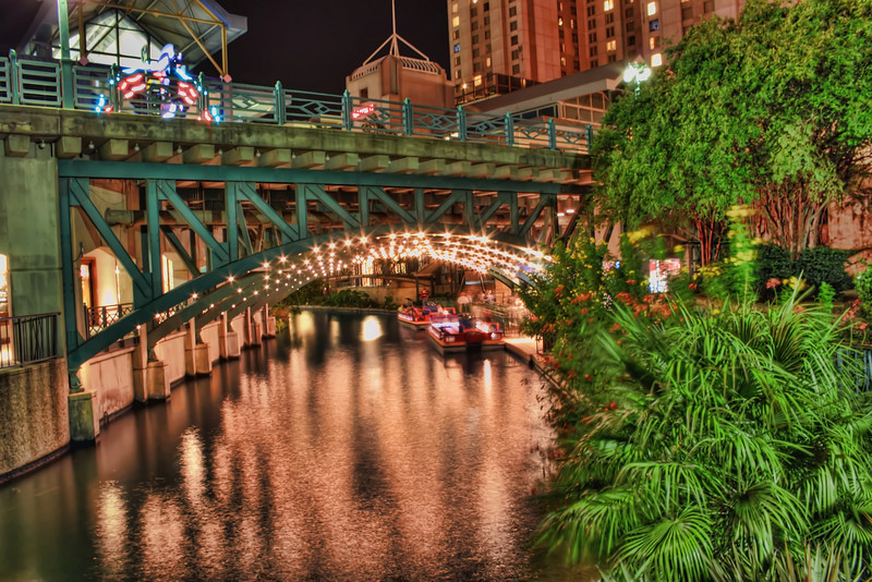 This image is of the River Taxi Riverwalk Boat Tour.  This is located right outside of the Rivercenter Mall in San Antonio, Texas.