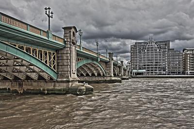 Looking south along Southwark Bridge, London