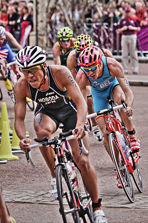 Olympic Triathlon 2012 - Hyde Park, London  37 - Yuichi Hosoda (JPN) 28 - Simon De Cuyper (BEL)
