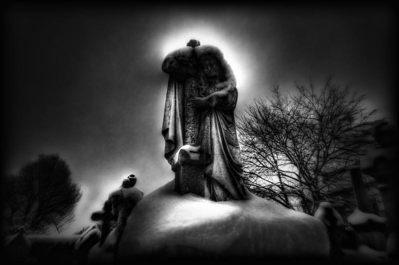 ''Aniele boży stróżu mój,<br /> Ty zawsze przy mnie stój!<br /> Rano, wieczór, we dnie, w nocy,<br /> bądż mi zawsze ku pomocy!<br /> Strzeż duszy i ciała mego <br /> i zaprowadż mnie do żywota wiecznego.''<br /> <br /> Amen.
