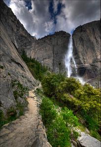 Trail to Upper Yosemite Falls
