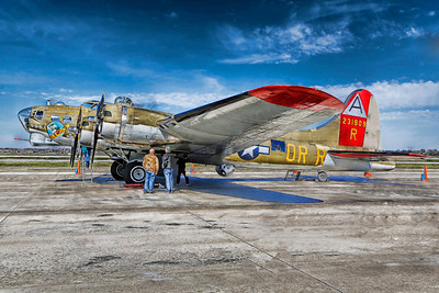 B-17 Nine O Nine