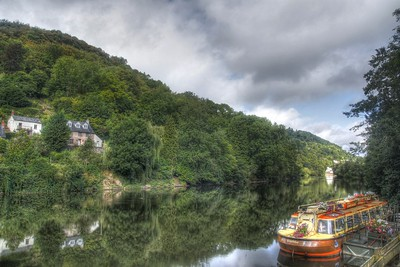 Symond's Yat looking up the river Wye
