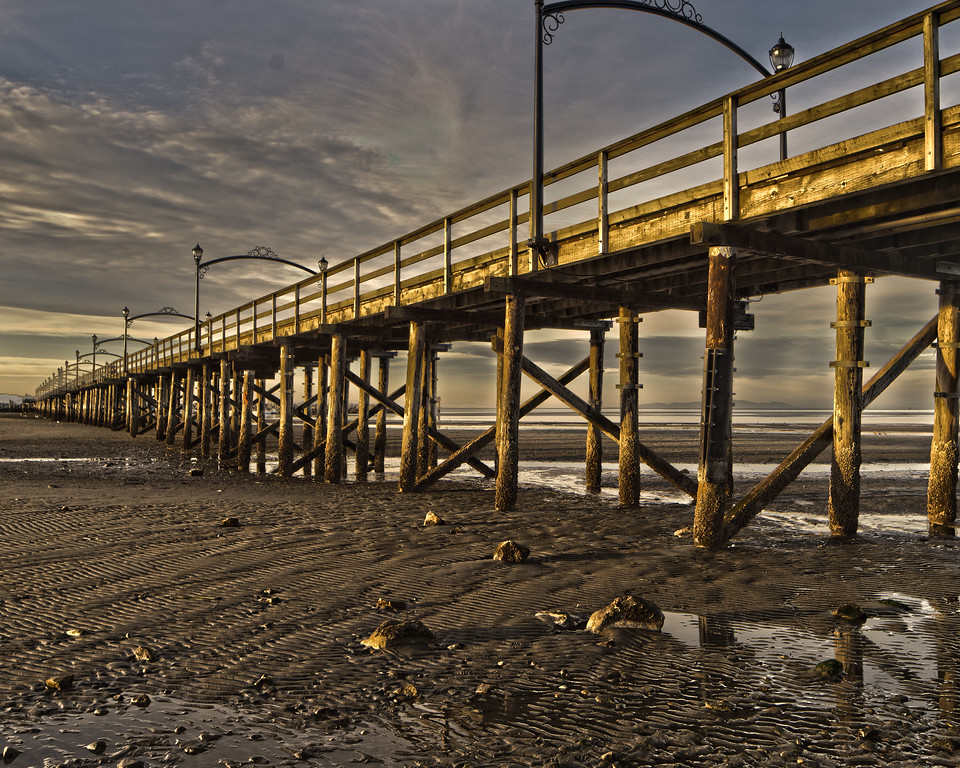 The iconic White Rock pier