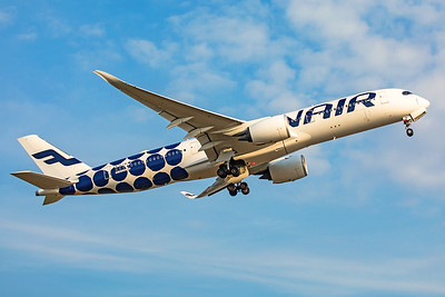 Finnair Airbus A350-941 OH-LWL 8-18-19 2