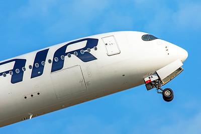 Finnair Airbus A350-941 OH-LWA 8-18-19 2