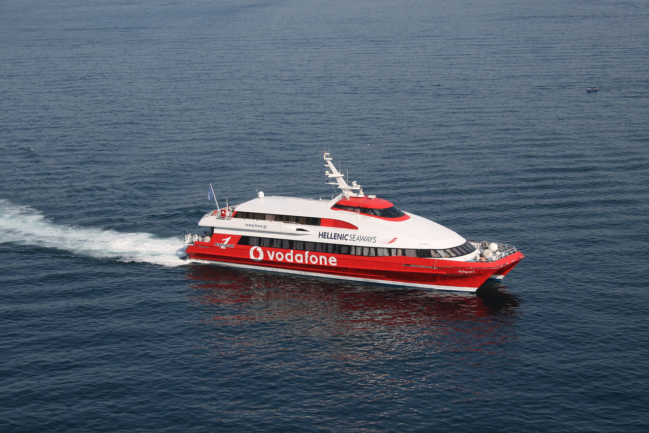 2011 - HSC FLYINGCAT 1 at sea on route to Piraeus.