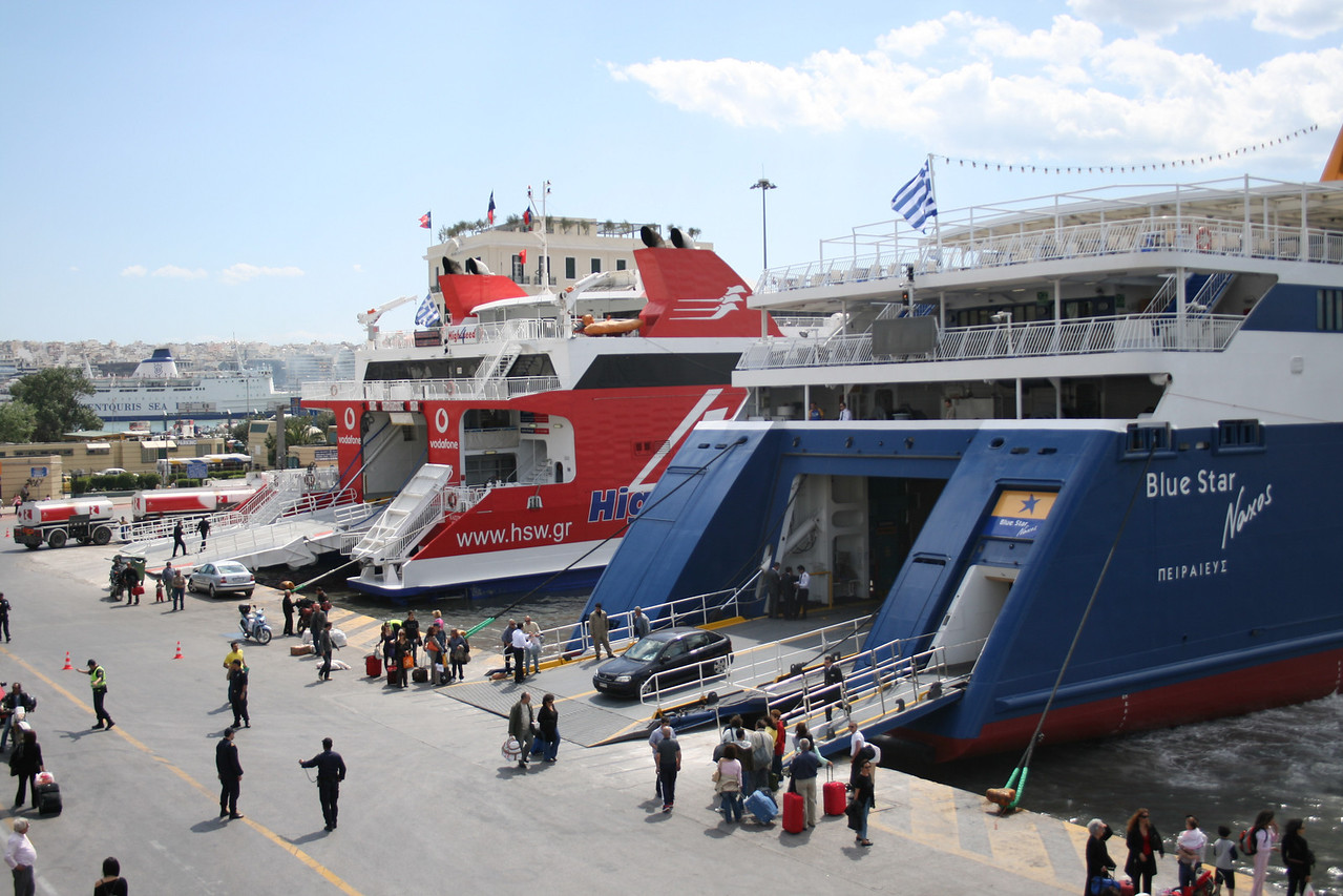 2008 - F/B BLUE STAR NAXOS and HSC HIGHSPEED 4 disembarking in Piraeus.